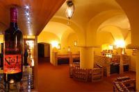 Anna Grand Hotel**** vinoteka Balatonfüreden óriási borválasztékkal