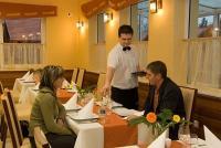Apartman Aqua Spa reggeliző - Luxus étterem Cserkeszőlőn elfogadható áron