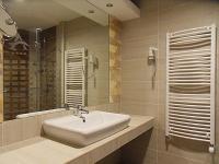 Elegáns és szép fürdőszoba Hajdúszoboszlón az Atlantis Hotelben