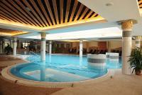 Aquarell hotel - medence Cegléden - 4 csillagos wellness hotel Aquarell Cegléd