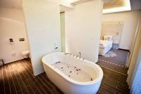 Elegáns és romantikus lakosztály a Hotel Bonvino Wellness Szállodában Badacsonytomajon