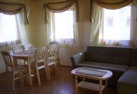 Bungaló Aqua Spa Wellness Cserkeszőlőn jól felszerelt konyhával, nappalival, két hálószobával