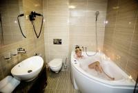 Grand Hotel Glorius**** fürdőszobája Makón a Hagymatikum közelében