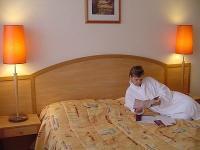 Hotel Freya*** kétágyas szabad szobája akciós félpanziós csomagban