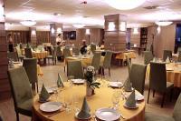 Három Gúnár**** Étterem Kecskeméten - a felújított négycsillagos szálloda étterme