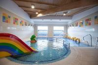 Gyerekbarát wellness Hotel, gyerekmedence családosoknak a Balatonnál