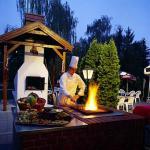 Hotel Nagyerdő grillkertje Debrecenben, Hotel Nagyerdőben