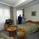 Hotel Nagyerdő kétágyas szobája Debrecenben akciós félpanziós csomagban.