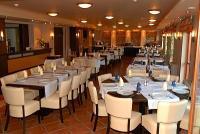 Tó Hotel elegáns étterme Bánkon akciós félpanziós csomagokkal