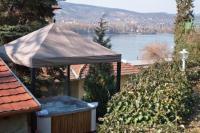 Dunai panorámás jacuzzi Visegrádon a Vár Wellness és Kastélyszállodában