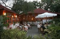 Romantikus és elegáns szálloda Egerben - Villa Völgy szálloda Egerben - Kerthelyiség a Villa Völgy szállodában