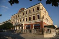 Háromcsillagos Duna wellness hotel Baja főterén  akciós áron