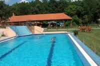 Zichy Park Hotel úszómedencéje akciós wellness hétvégére Bikácson